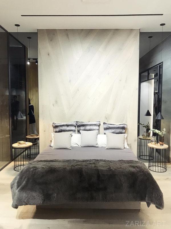 плитка на изголовье кровати