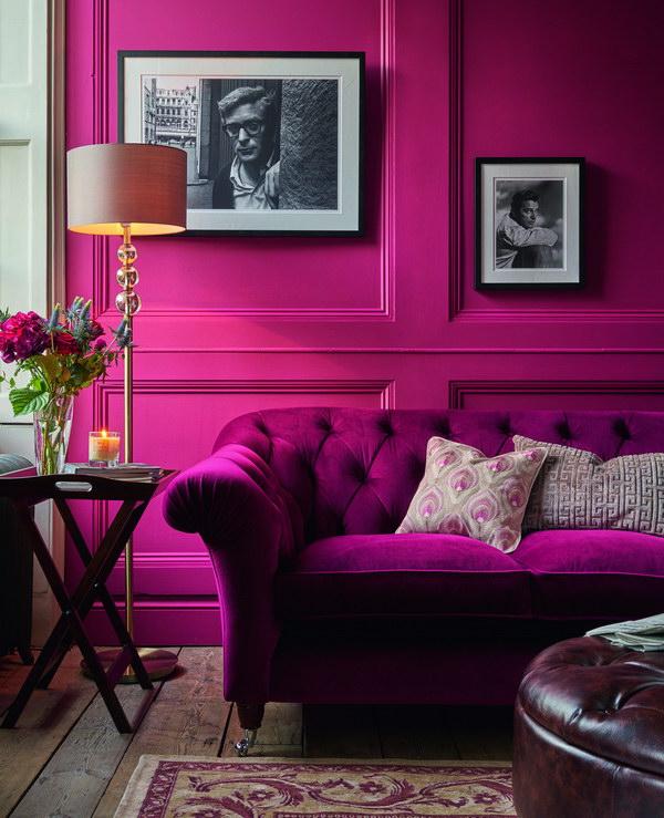 пурпурный цвет стен в гостиной