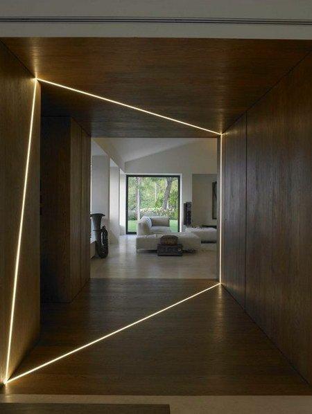 интересное решение для коридора со светом
