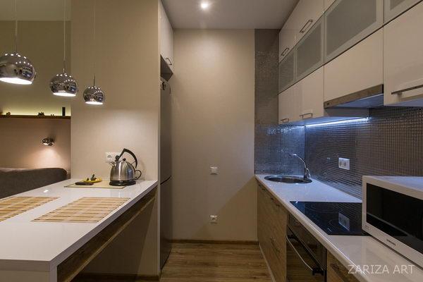 вид на кухню в маленькой квартире