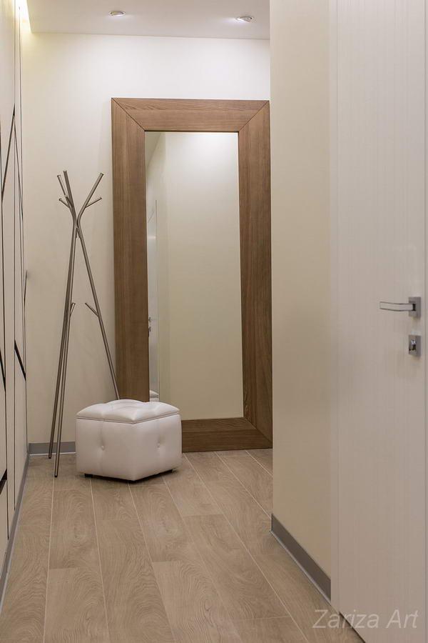 коридор и зеркало