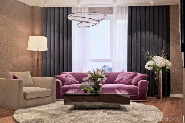 квартира с фиолетовым диваном